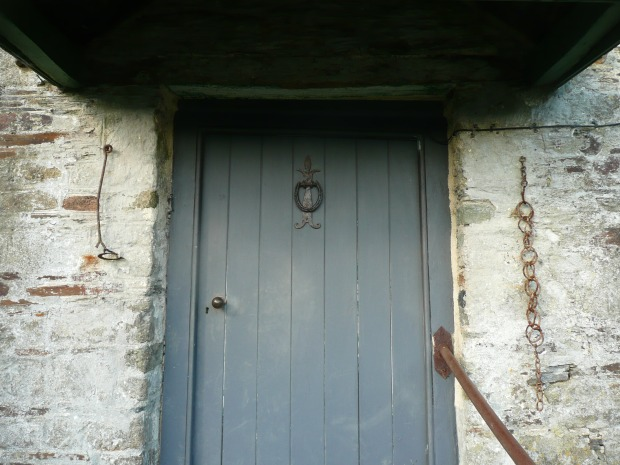 Grey Front Door www.thinkingcowgirl.wordpress.com