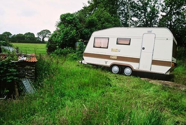 caravan in countryside www.thinkingcowgirl.wordpress.com