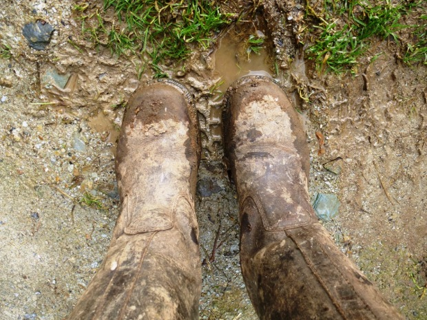 muddy boots www.thinkingcowgirl.wordpress.com